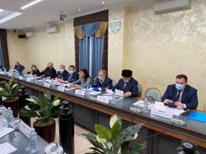 Профессор ГУУ выступил с докладом на Общественных слушаниях в Общественной палате Российской Федерации